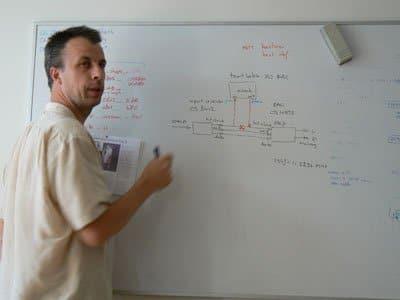 Guido legt uit hoe het allemaal werkt. Erg interessante kost!