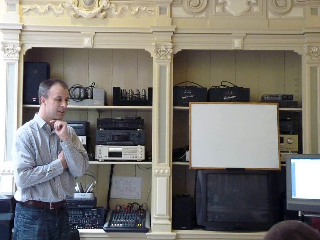 Guido Tent - Tentlabs - tijdens de Masterclass. Hij weet zeer lastige onderwerpen verrassen inzichtelijk te krijgen.