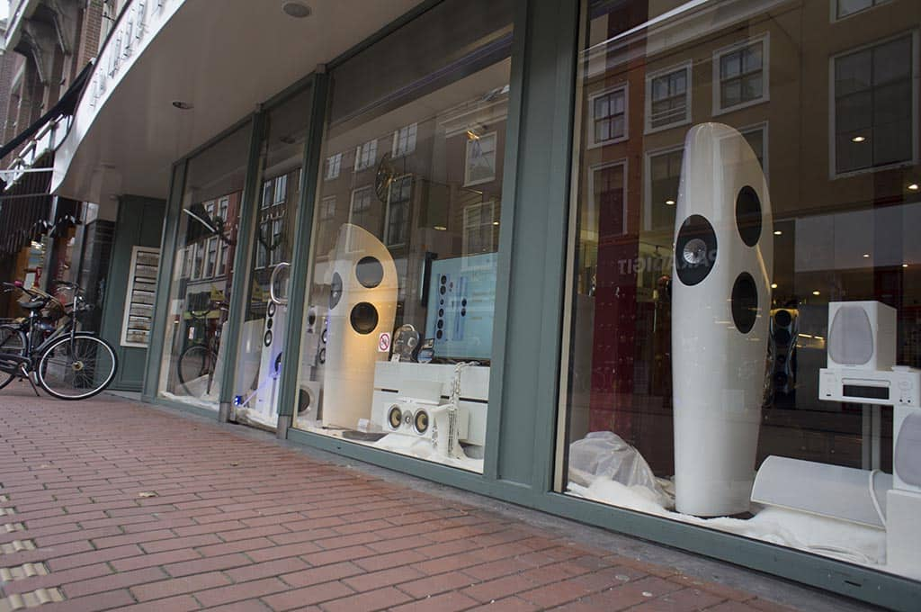 Kef Muon demo Overgaauw Leiden