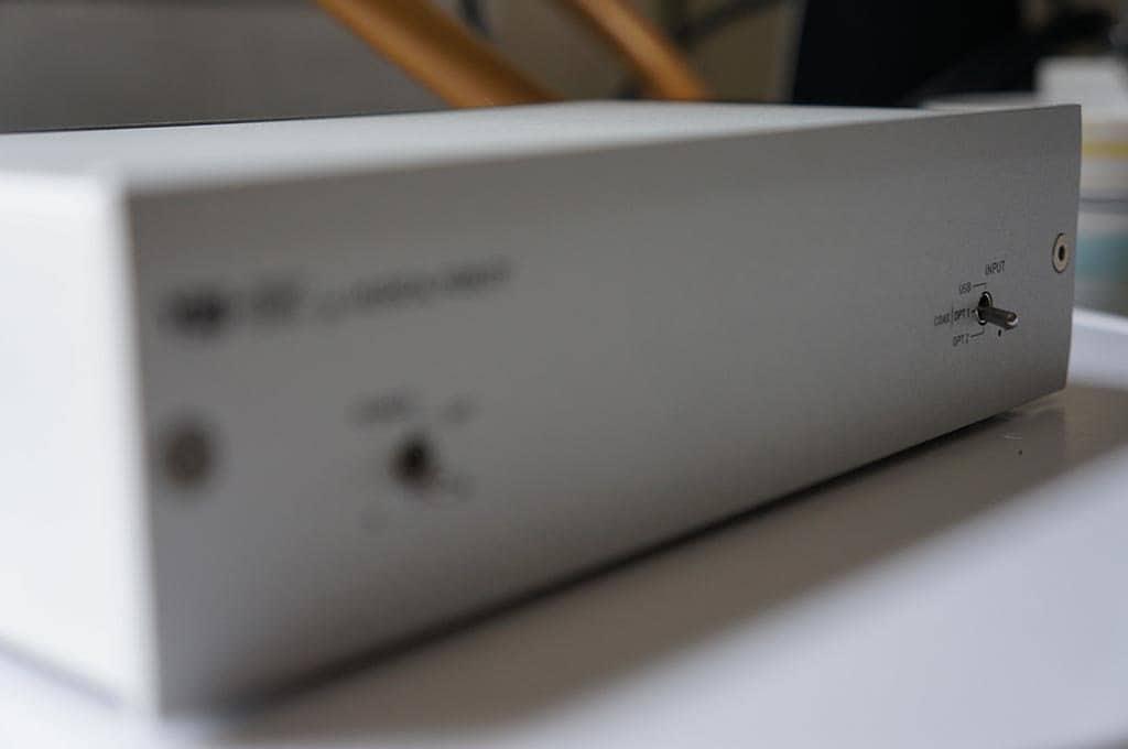 Musical Fidelity V90 voorkant blur