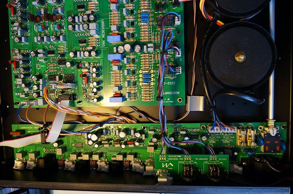 vM DA468 d/a-converter